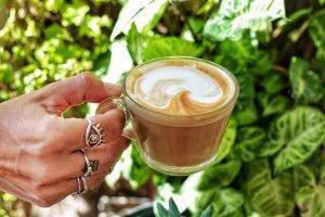 ארוחת בוקר בקפה קפית